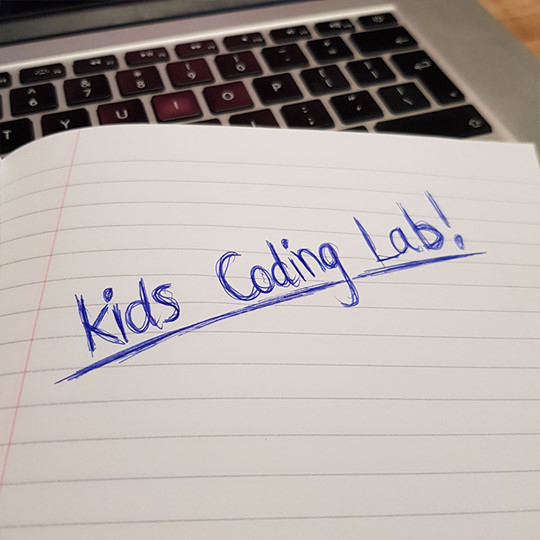 Kids coding lab image.